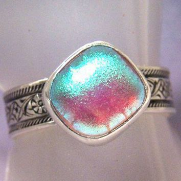 Dichroic floral Ring 7