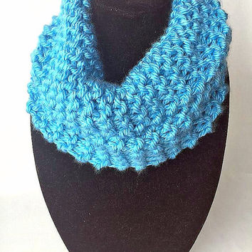 infinity scarf - scarf - scarves - circle scarf - winter scarf - women - loop scarf - accessories - fashion accessories - for her - NFL