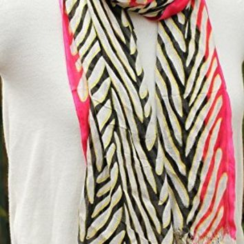 Trendy Abstract Print Scarves - Lightweight & Soft Spring Scarf in Viscose with Fringes / Tassels