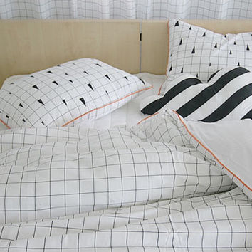 White Modern Plaid And Triangle Patterned Twin / Queen Size Bedding Set