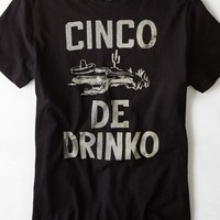 AEO Men's Cinco De Drinko Graphic T-shirt (Bold Black)
