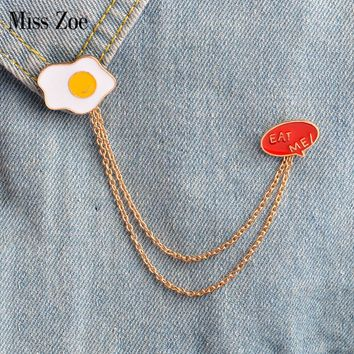 Miss Zoe EAT ME! Fried Egg Metal Brooch Pins with Chain DIY Button Pin Denim Jacket Pin Badge Jewelry Gift for Kids Friend