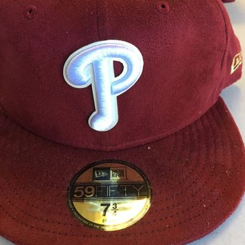 NEW ERA PHILADELPHIA PHILLIES MAROON SUEDE LOOK HAT FLAT BRIM CUSTOM FITTED HAT
