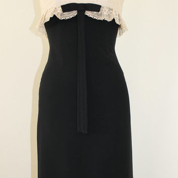 Vintage Handmade Black and White Dress Size 2 Lace Bow