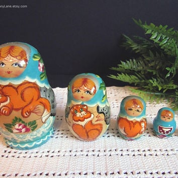 Vintage Nesting Dolls with Cats, Russian Tole Painted Wood, Toleware Folk Art