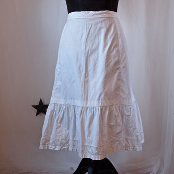 Vintage Skirt White Cotton Skirt Art Nouveau Belle Epoque Eyelet Lace Trim Skirt Petticoat with Bustle Back Folk Costume 1910's