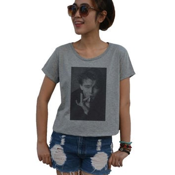 Leonardo Dicaprio Shirt - women's Cropped t-shirt - Tops Actress Singer Billboard Hot music sexy fashion summer ( M - L )