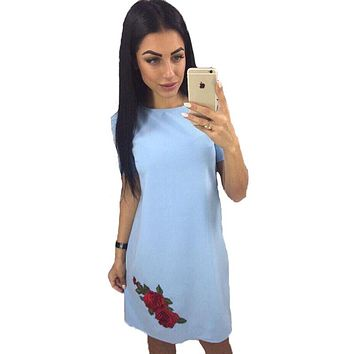 Fashion Embroidery Rose Appliques Straight Dress Woman 2018 Summer O-neck Short Sleeve Casual Dress Simple Style Mini Dresses