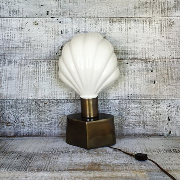 Lamp Ceramic and Brass Seashell Lamp Mid Century Table Lamp Art Deco Clam Shell Lamp Mid Century Lighting Hollywood Regency Lamp Brass Lamp