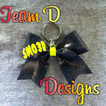 SMOED bow keychain