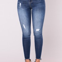 Roseland High Rise Jeans - Medium Blue