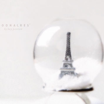 paris in winter . terrarium ring . snow globe ring . glass dome ring . glass globe ring . eiffel tower . france . unique . christmas gift