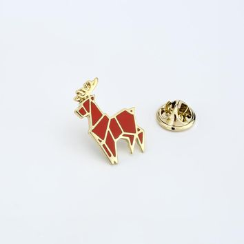 Cartoon Animal Brooches Red Elk Deer Enamel Pin for Boys Girls Lapel Pin Hat/bag Pins Denim Jacket Women Brooch Badge Q343