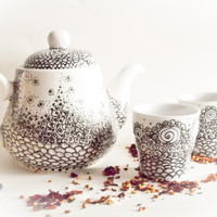 Tea Set - Teapot and teacups - Delicate Dream painted