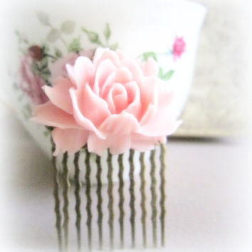 Pink Flower Hair Comb Wedding Pastel Pink Blush Large Rose Hair Pin Bridal Floral Hair Accessories Bridesmaid Gift Shabby Chic Simple