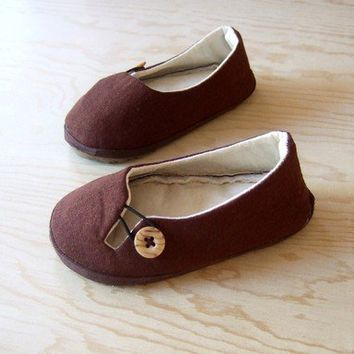 Child Keyhole Flat with Heavy Tread Sole by HydraHeart on Etsy