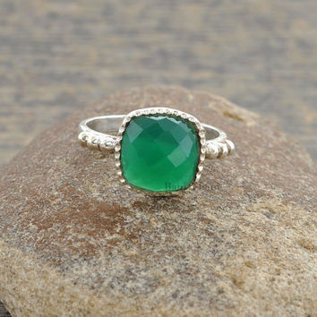 Green Onyx Ring - Hammered Ring Jewelry - Sterling Silver - Cushion Faceted 10mm- Gemstone Ring - 925 Sterling Silver Ring - #1022
