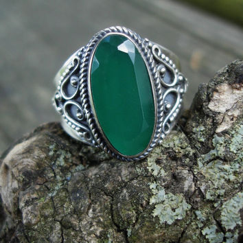 Green ring, chalcedony ring, onyx, emerald green ring, oxidized silver ring, size 8 1/2 ring, May, boho ring, 925 silver ring, womans gift