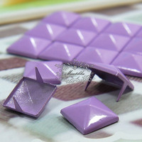 100 PCS X 12mm Light Purple Violet Square Pyramid Spike Rivets Studs Spot Metal Matte Finish For Diy iPhone Case Deco Cabochons (SD.U)
