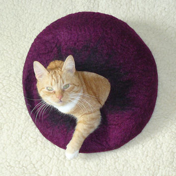 Cat Bed / Cat Cave / Cat Den / Cocoon / Cat House Heather Hand Felted and GIFT