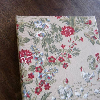 "1970s Vintage Shabby Chic Fabric-Covered Photo Album; 200 4x6"" Photo Slots; Green/White/Red/Beige; Asian/Bohemian/Cottage Decor; Giftable"