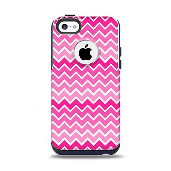The Pink & White Ombre Chevron V2 Pattern Apple iPhone 5c Otterbox Commuter Case Skin Set