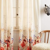 Michelle Morin Garden Buzz Curtain in Multi Size:
