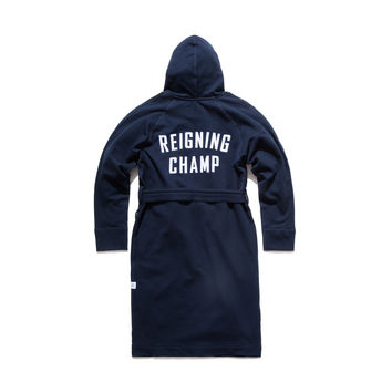 REIGNING CHAMP LOGO HOODED ROBE - NAVY | Reigning Champ