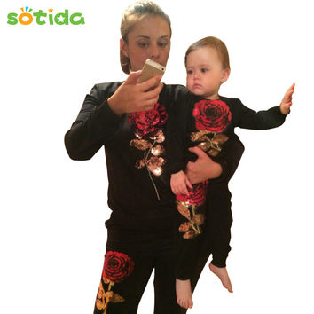 Sotida 2016 New Fashion Winter Style Family Matching Outfits Mother And Daughter Long Sleeve Rose Floral Sweatshirt+Pants 2Pcs