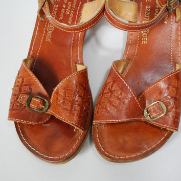 Vintage Sandals 1970s Brazilian Leather Sandals Wooden Shoe  sz 8 Chestnut Saddle Brown