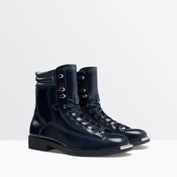 Leather boot with cap toe