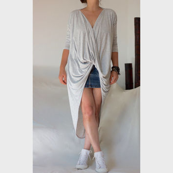 XXL  XXXL Loose V Neckline Top / Hi Low Hem Tee Tunic / Front Snap Closure Top /  Drap Shirt / Loose Top / Long Sleeve