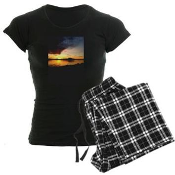 SUNSET Women's Dark Pajamas > Rad NatuRE Tees