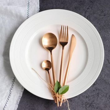 4pcs/lot Rose Gold Cutlery Set Wedding Gold Dinnerware Set Dinner Forks Knives Scoops Set 18/10 Stainless Steel Silverware Set