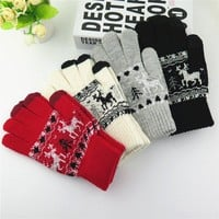 Autumn and winter men and women's thicken thermal looply gloves Christmas deer knitted lovers gloves winter driving gloves