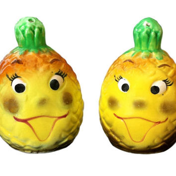 Anthropomorphic Pineapple Salt and Pepper Shakers, Happy Fruit Face Vintage Kitsch S&P Shakers Made in Japan, Kitschy Kitchen Camper Glamper