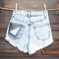 high waisted distressed studded back denim shorts - light vintage acid wash