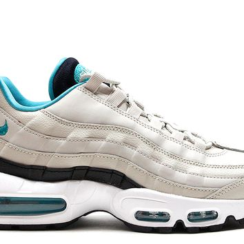 "Nike Air Max 95 ""Light Bone"""