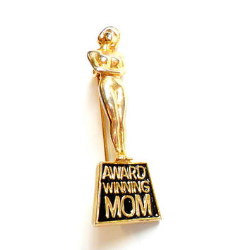 Vintage Award Winning Mom Brooch - Gag Gift Joke - Mom Mother Mama Madre - Trophy Award - Broach Pin - Mothers Day