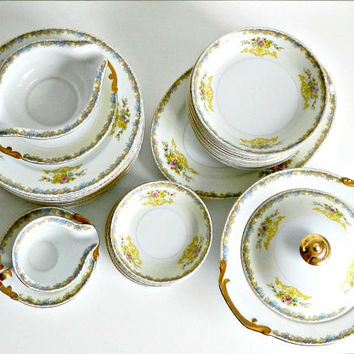 Vintage China Dinnerware Set. Japanese Hand Painted Dinnerware. 1940s. Kikusui Fine China Dinnerware.