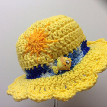 Baby spring hat, photo prop hat, yellow fish, sunhat, gift idea, beach hat, pool hat, hand crochet, pic-nic hat, handmade