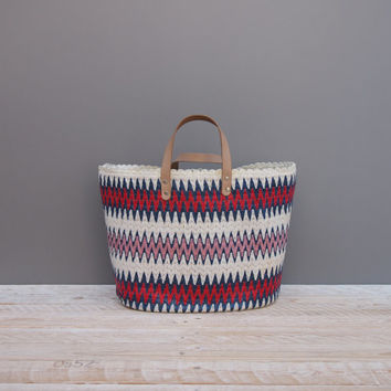 Chevron Obsession Tote Bag - Vintage 1960s Plastic Woven Handbag - Vintage 60s Striped Carry All Handbag