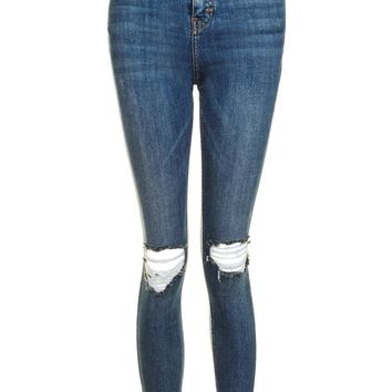 MOTO Stepped Rip Jamie Jeans | Topshop