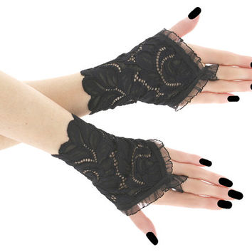 Lace black short fingerless gloves, bridal wedding wrist warmers burlesque goth vintage womens evening gloves, black lace glove 05P1