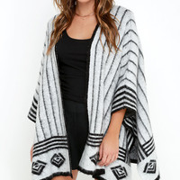 Olive & Oak Basecamp Black and Ivory Print Poncho