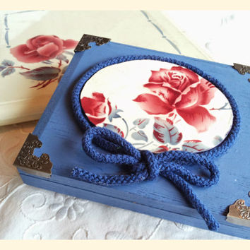 Handmade altered cigar box, decorated with a bit of a french Digoin plate
