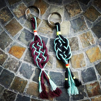 Burgundy double-knot paracord keychain