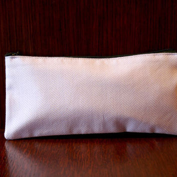 ZIPPERED PENCIL CASE by LiliumMmg on Etsy