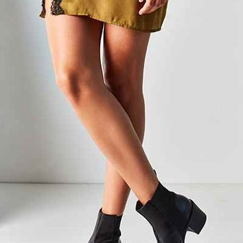 Vagabond Tilda Chelsea Boot - Urban Outfitters