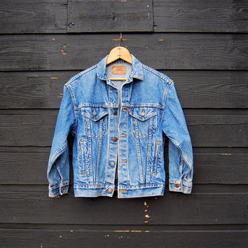 Levis Denim Jacket, Women's Petite Denim Jacket, Levis Jacket Small 80's 90's Grunge Boho Trucker Blue Jean Jacket